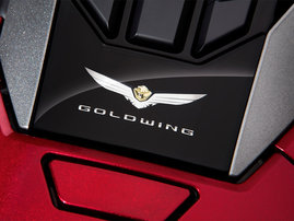 gl1800-gold-wing-18-1-e-26